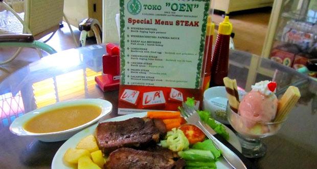 Toko Oen adalah salah satu tempat wisata di Malang dan sekitarnya yang legendaris dengan menu andalannya berupa es krim (Foto : pinterest.com)