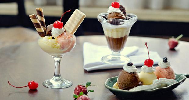 Toko Oen Malang dengan menu andalannya es krim adalah salah satu tempat wisata di Malang favorit wisatawan khusus kuliner (Foto : adnyanidewi.com)