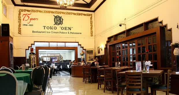 Toko Oen Semarang adalah salah satu tempat makan enak di Semarang untuk buka puasa yang legendaris (Foto : tempatwisataid.com)