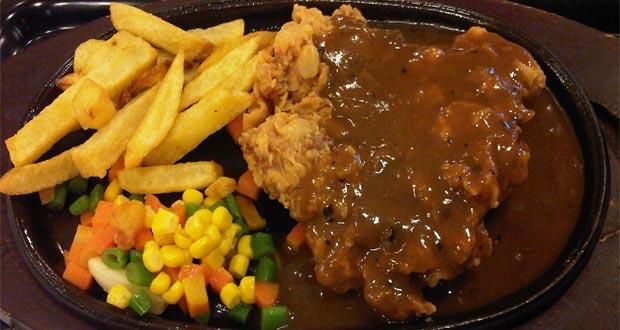 Ilustrasi salah satu menu steak di Waroeng Steak & Shake, tempat makan enak di Semarang untuk buka puasa yang menyajikan aneka steak (Foto : ahmadbaihaki882.wordpress.com)