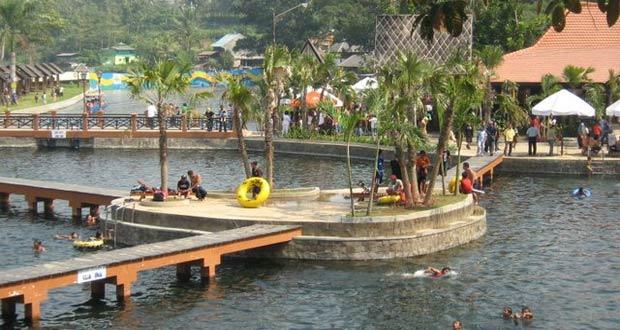 Wendit Water Park adalah salah satu tempat wisata di Malang yang wajib dikunjungi (Foto : surabaya.panduanwisata.id)