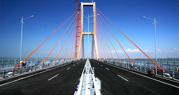 Jembatan-Suramadu