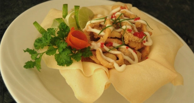 """""""Kampoeng Ikan"""" Lorin Solo Hotel adalah salah satu tempat makan enak di Solo untuk buka puasa (Foto : pelitaonline.com)"""