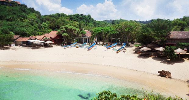 Pantai Ngandong adalah tempat wisata di Jogja yang asyik dan menarik dikunjungi saat libur lebaran (Foto : wisataloka.com)