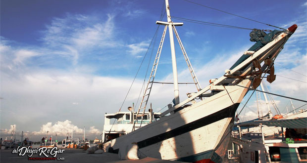 Pelabuhan Paotere adalah salah satu tempat ngabuburit di Makassar untuk anak muda (Foto : aldhysiregarphoto.blogspot.com)