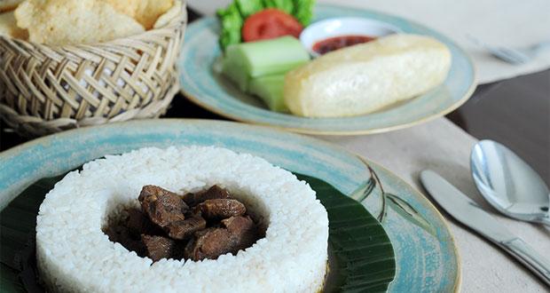 Ilustrasi nasi jemblung menu andalan Roemahkoe Resto, salah satu tempat makan enak di Solo untuk buka puasa (Foto : mymagz.net)