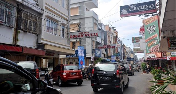 Somba Opu Shopping Center adalah salah satu tempat wisata di Makassar yang terkenal sebagai pusat oleh-oleh khas Makassar (Foto : anekatempatwisata.com)