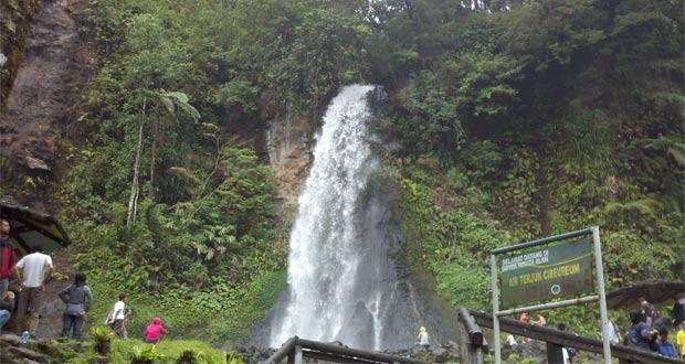 Curug-Cibeureum-Bogor