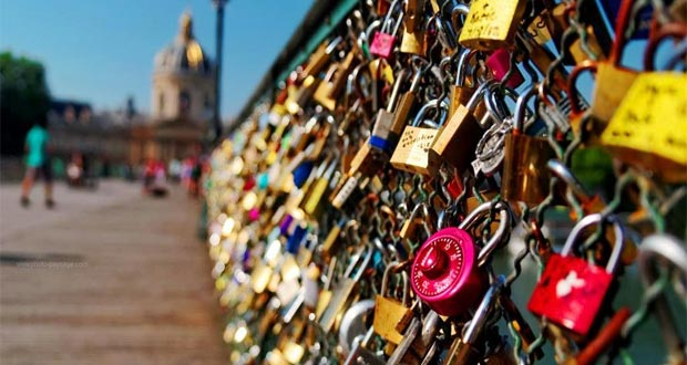 Jembatan-Gembok-Cinta