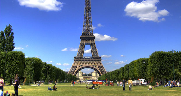 Tempat-Wisata-Di-Paris-Menara-Eiffel