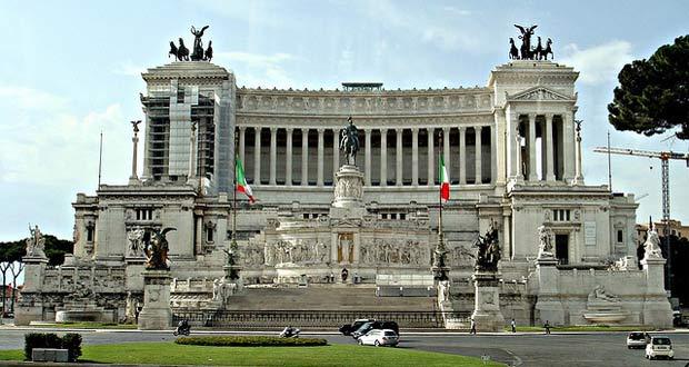 Monument-Vittorio-Emanuele-II