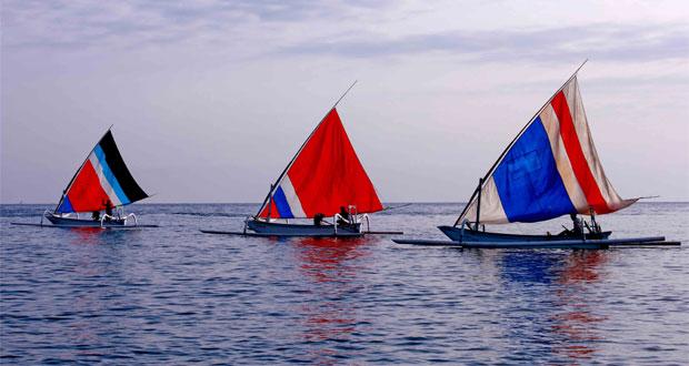 Perahu Layar Di Pantai Amed