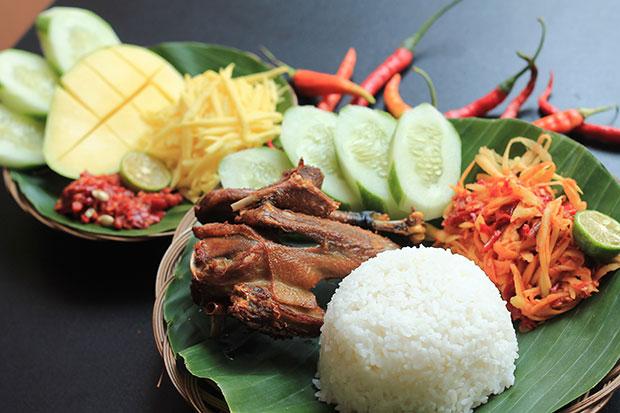 Tempat-Wisata-Kuliner-Waroeng-Kaligarong-Semarang