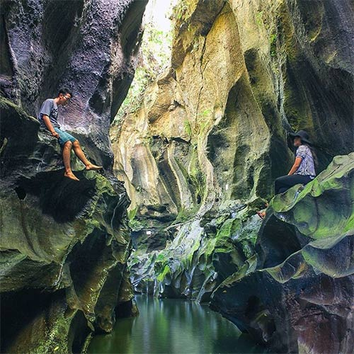 Hidden-Canyon-Guwang