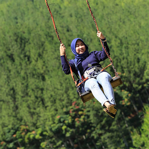 Sky Swing The Lodge Maribaya
