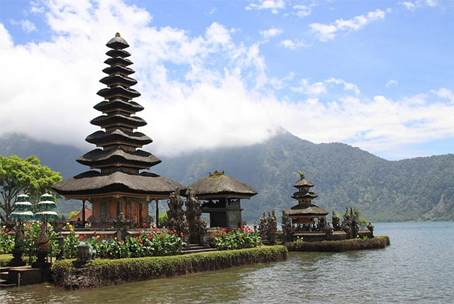 tempat-wisata-di-bali-indonesia
