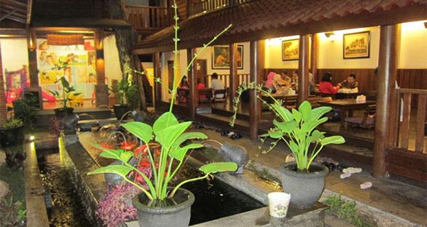 Harmoni Cafe & Resto Malang