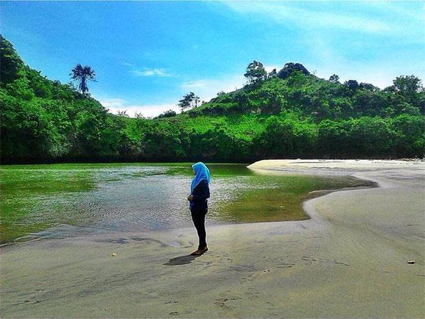 Pantai-Ungapan