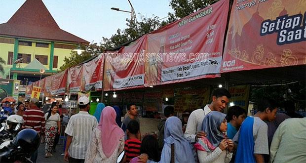 Pasar-Ramadhan-Masjid-Agung-Al-Akbar