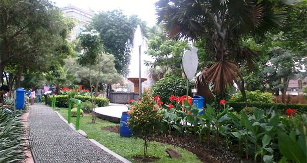 Taman Lansia Surabaya