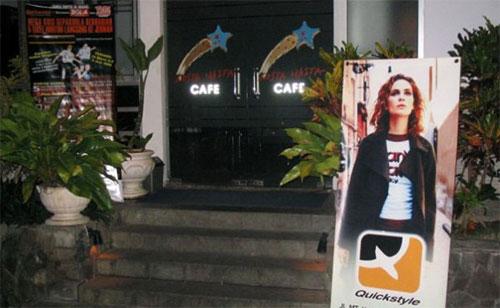 Losta Masta Cafe & Restaurant