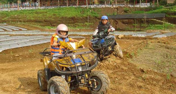 Wahana ATV di Sulaku Bumi Jawa Park