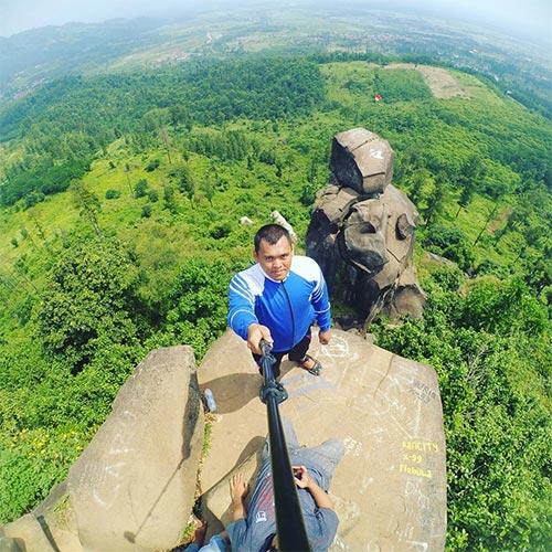 Batu Agung Balapulang