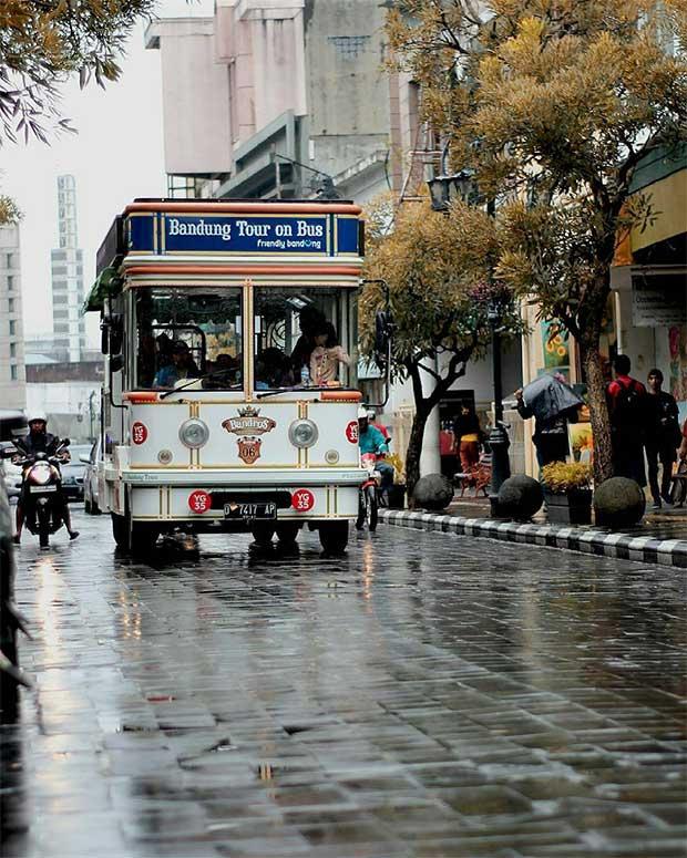 Bus-Bandros-Bandung