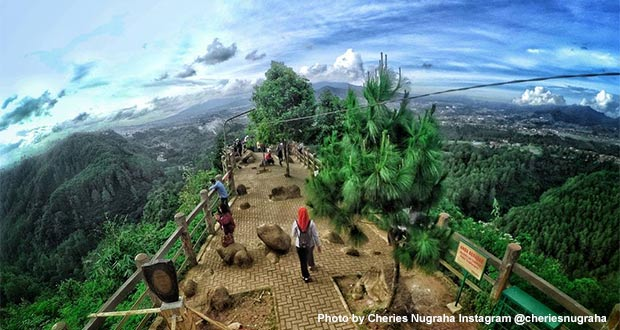Tebing-Keraton-Lembang-Bandung