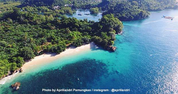 Pantai-3-Warna-Malang